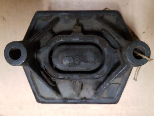 311301265E Transmission mount, front