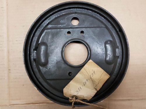 311609139 U Back plate, front brake, left or right