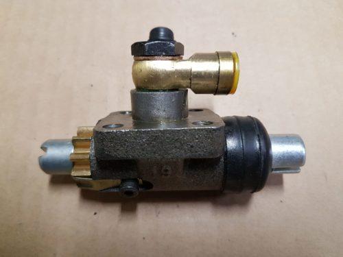 69535151100 Brake cylinder