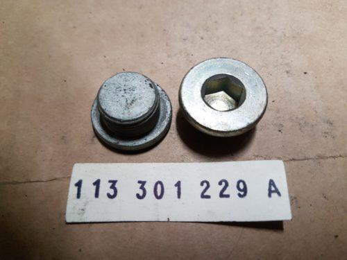 113301229A Plug, back-up light switch