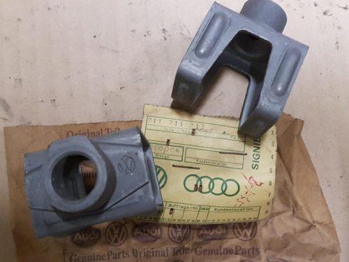 311711211 Housing, gearshift rod coupling