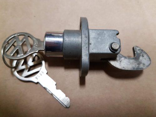 113827503A Lock, rear hood, lockable