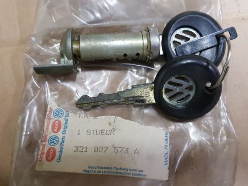 321827573A Lock cylinder for hood, central locking system
