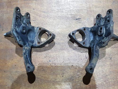 113407311F Steering knuckle set, disc brake