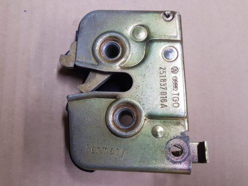251837016A Door lock, right